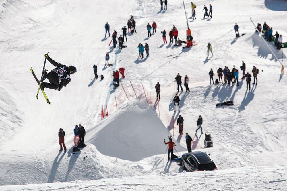 organisation de la coupe du monde de freeski à font Romeu par l'Agence PMD, spécialiste de l'organisation d' évènementiels sportifs, séminaires d' entreprise, stages sportifs, séjours en montagne à Font Romeu dans les PO
